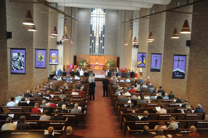 Communion-during-NSP-Worship-Sanctuary-decorated-with-Lenten-banners