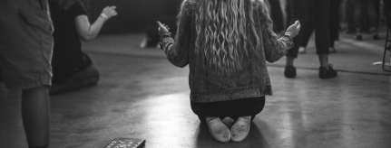 top-10-worshipdevotionals-header
