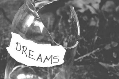 6359758051611515021488586791_broken-dreams-photo